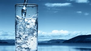 Tome um copo d'água a cada hora